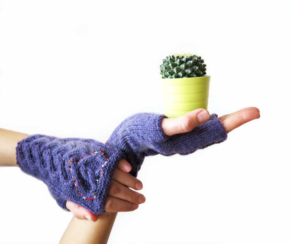 Knitted Heart Mittens - Love Gloves